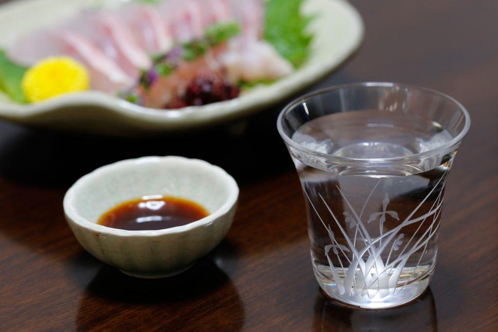 日本酒と刺し身